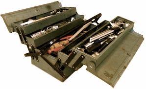 Parall gefüllter Werkzeugkoffer